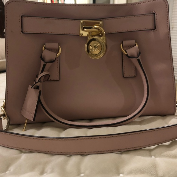 Michael Kors Handbags - Michael Kors medium size purse